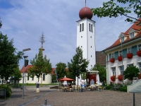 1200px-Kressbronn_church_and_chapell