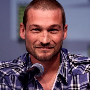 501px-Andy_Whitfield_by_Gage_Skidmore