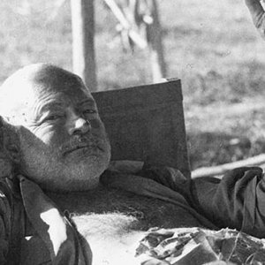 Ernest_Hemingway_Kenya_safari_1954