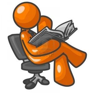1905710-ein-orange-mann-eine-buch-zu-lesen-sitzen-auf-einem-stuhl-konzentrieren