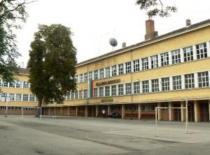 800px-Sofia-127th-School-Ivan-Denkooglu
