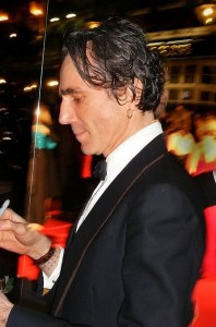 Daniel_Day-Lewis_at_the_61st_British_Academy_Film_Awards_in_London,_UK_-_20080210