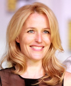 Gillian_Anderson_2013_(cropped)