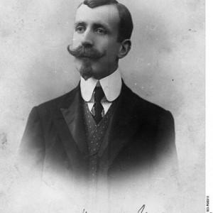 474px-Bundesarchiv_Bild_183-R98911,_Heinrich_Mann