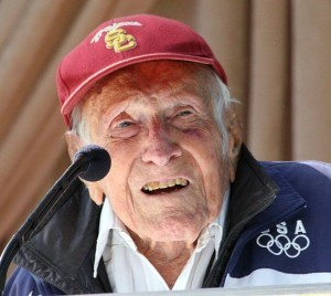 Louis_Zamperini_at_announcement_of_2015_Tournament_of_Roses_Grand_Marshal-300x268