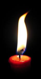 640px-Candleburning