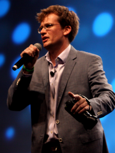 John_Green_speaking_at_VidCon_in_2012