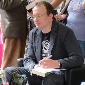 Robert_Muchamore_-_Lisbon_Book_Fair_2011_(2)