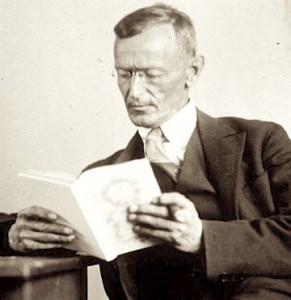Hermann_Hesse_1927_Photo_Gret_Widmann