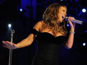 Mariah_Carey_Neighborhood_Ball_in_downtown_Washington_2009_cropped