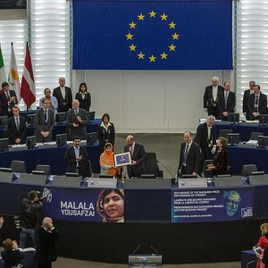 Remise_du_Prix_Sakharov_à_Malala_Yousafzai_Strasbourg_20_novembre_2013_03