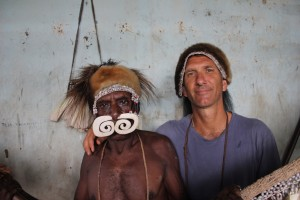 Asmat photo Carl Hoffman 2 (1)