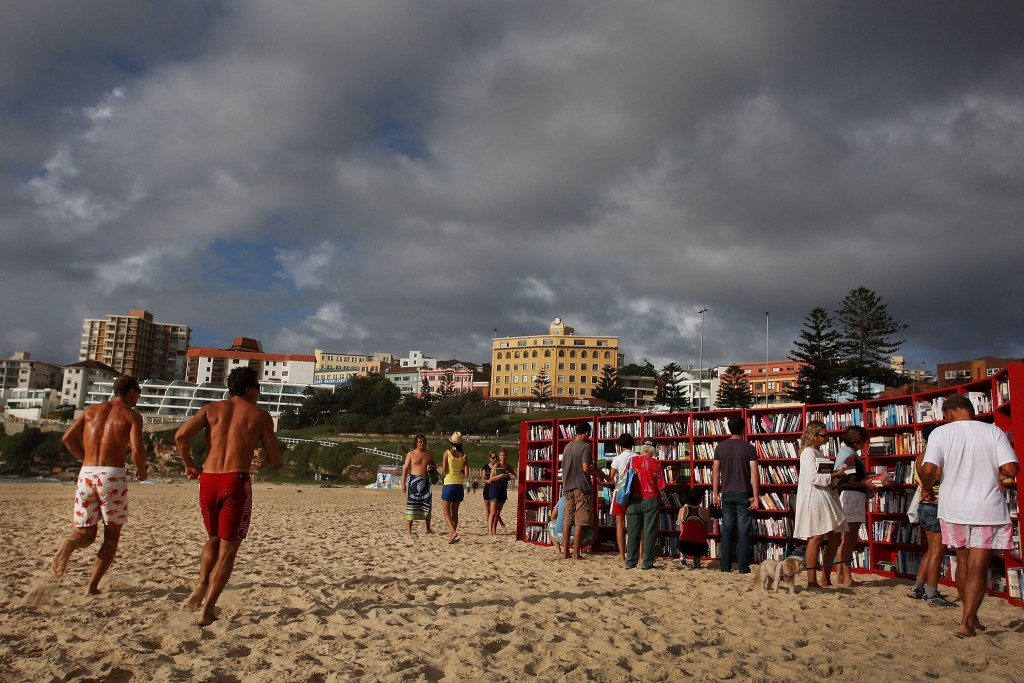 Ikea-Creates-World-Longest-Outdoor-Bookcase-Sydney-Bondi-Beach