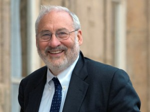 USA's Joseph Stiglitz, Nobel Prize winner for Economics, and President of the Commission on the Measurement of Economic Performance and Social Progress, arrives at the Elysee Palace in Paris, France, Monday Sept. 14, 2009, for a meeting with France's President Nicolas Sarkozy and other members of the French government. (AP Photo/Philippe Wojazer,Pool)