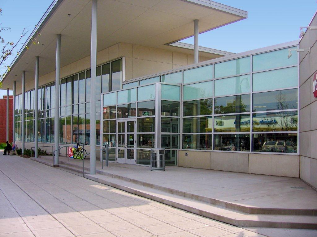 Библиотеката в Ийст Ленд