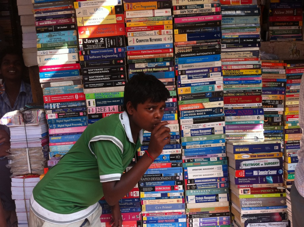 Bangalore_India_Tech_books_for_sale_(kid_got_in_the_shot)_IMG_5255