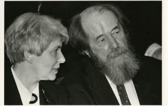 Nataliya-Solzhenicyna-za-chto-lyubyat-i-za-chto-nenavidyat-Aleksandra-Isaevicha41-e1544470665263