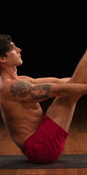 boat-pose-Yoga52-David-Regelin