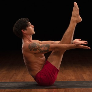 boat-pose-Yoga52-David-Regelin