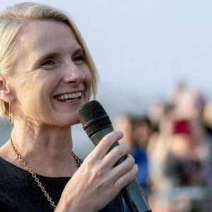 https___blogs-images.forbes.com_michellegross_files_2019_04_Author-Elizabeth-Gilbert_-1200x800