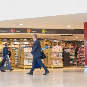 01_bookstore_The-Perk-of-Buying-Books-At-the-Airport-No-One-Knows-About_499424965_ymgerman-1024x683