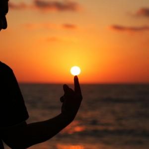 Slunce-spicka-prstu