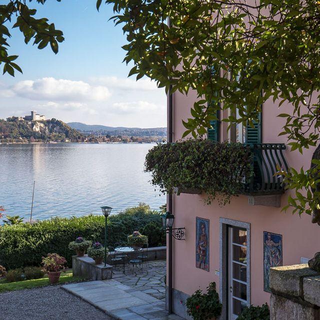 donatella-versace-italy-house-1565209451