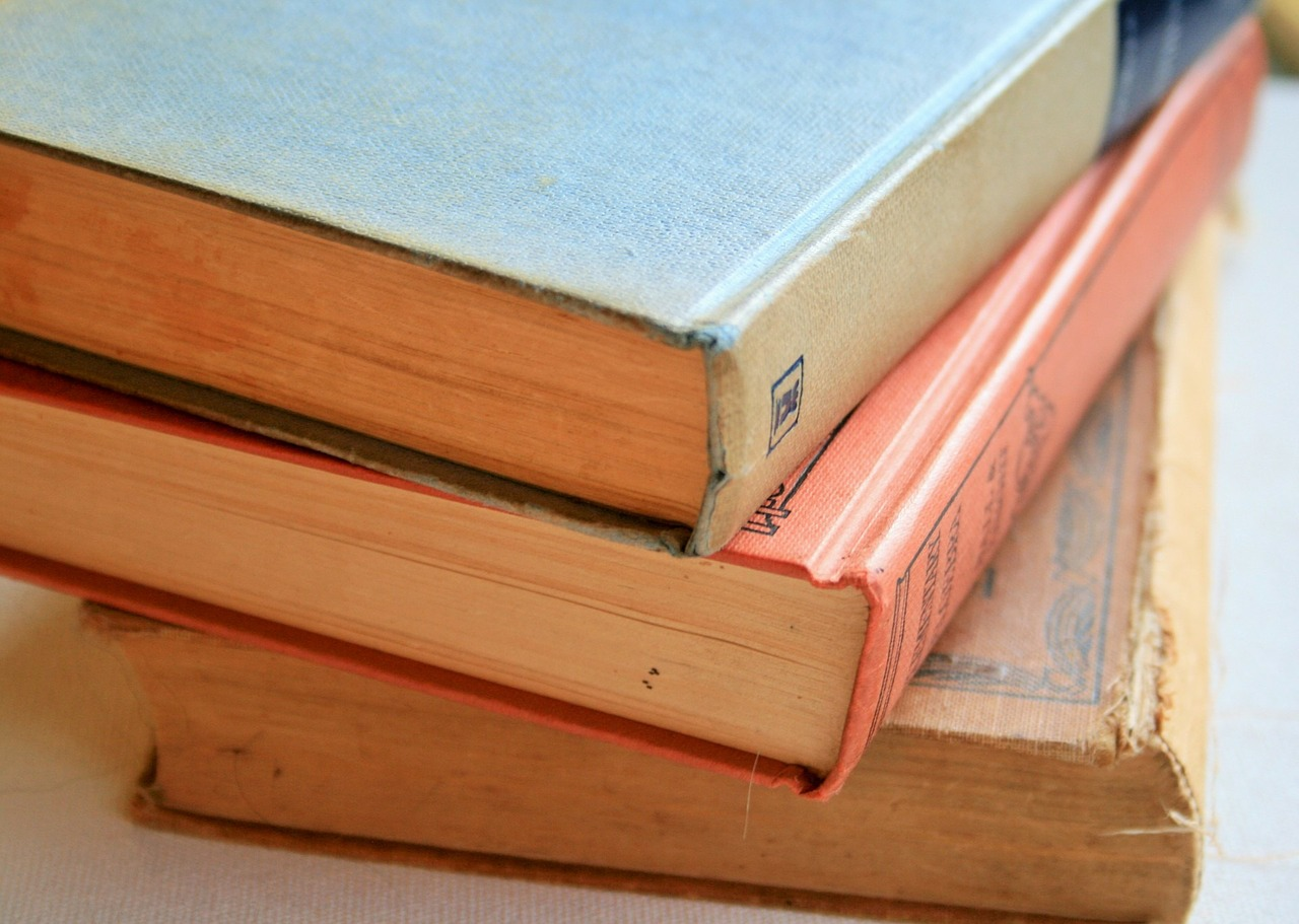 books-315679_1280