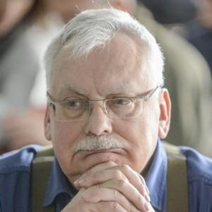 Nie-zyje-Krzysztof-Sapkowski.-To-dla-swojego-syna-Andrzej-Sapkowski-napisal-Wiedzmina_article