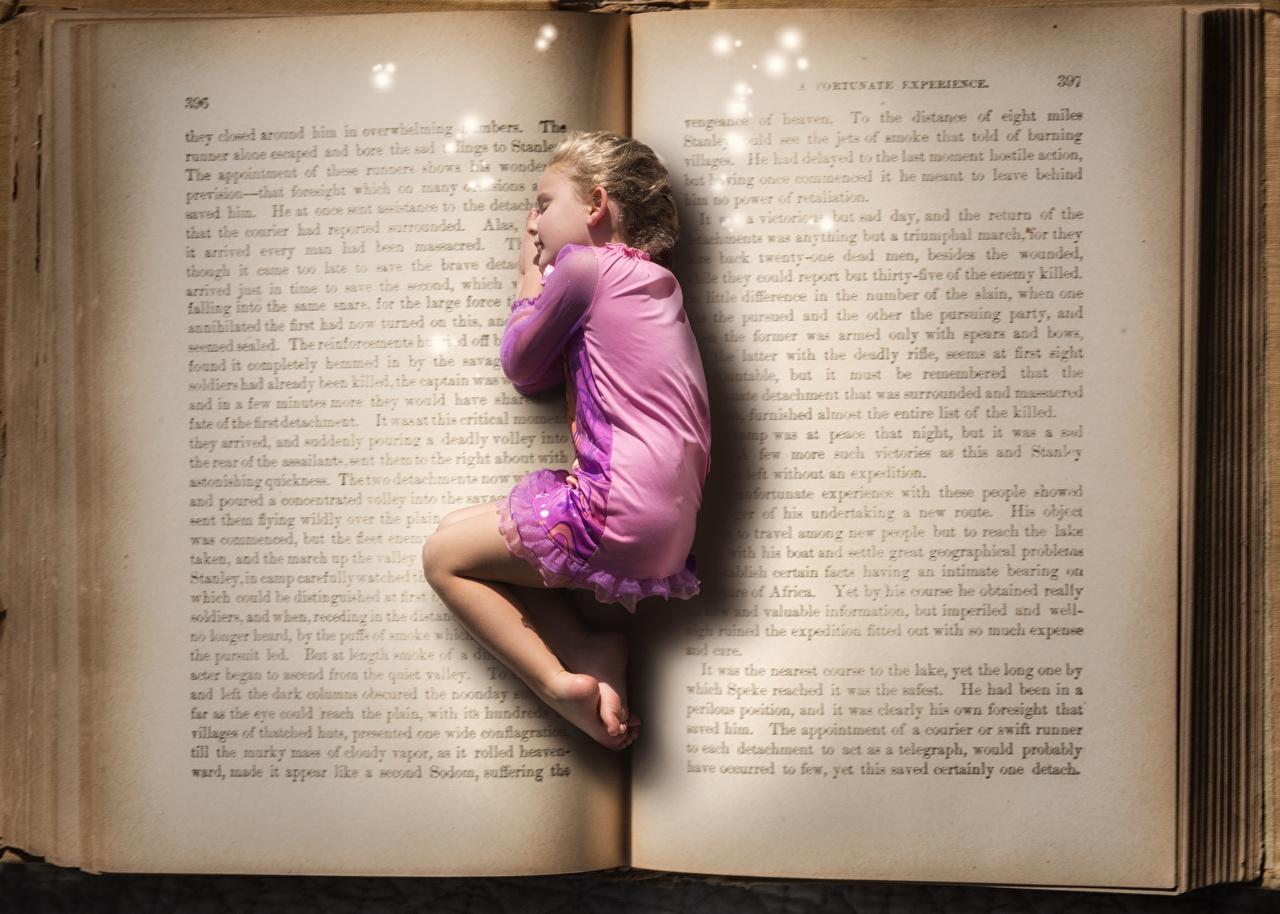 Little_girls_Book_Sleep_448098