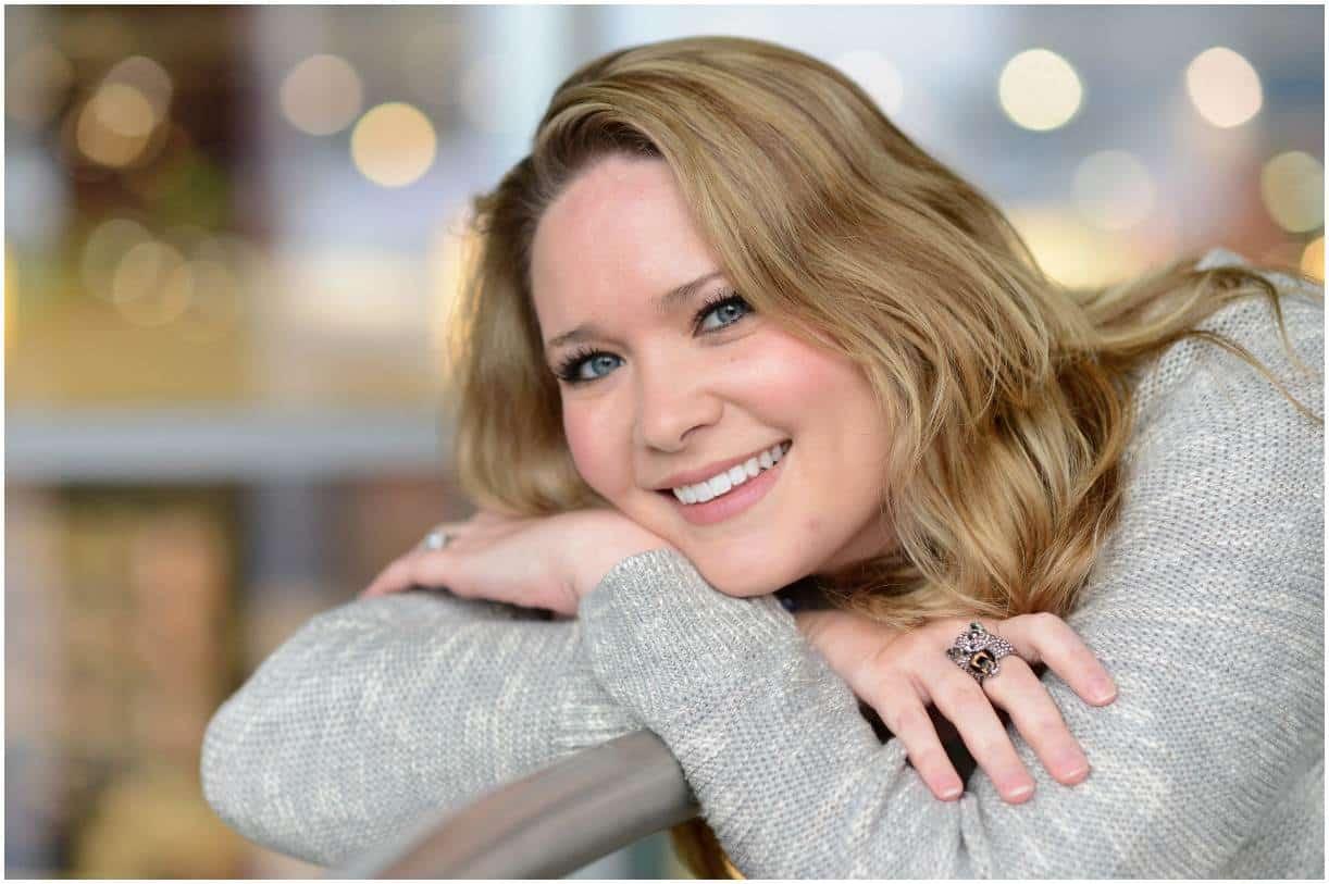 Sarah-J.-Maas-Net-Worth-Bio-Husband-Books-Quotes
