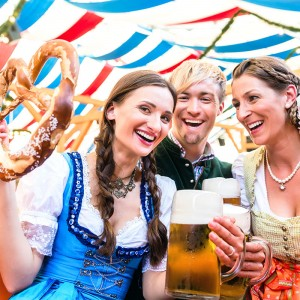 Dirndl-Lederhosen-costumes-Munich-Oktoberfest-2019-Germany