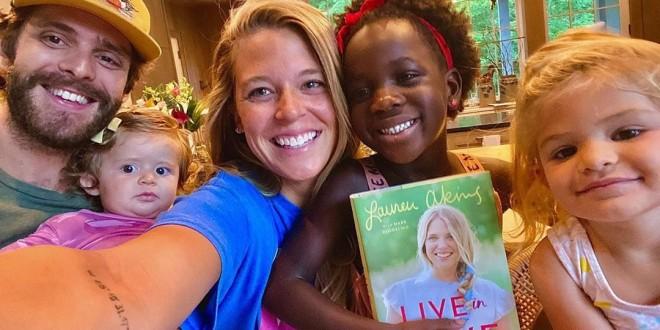 Lauren-Akins-with-Thomas-Rhett-daughters-book-release