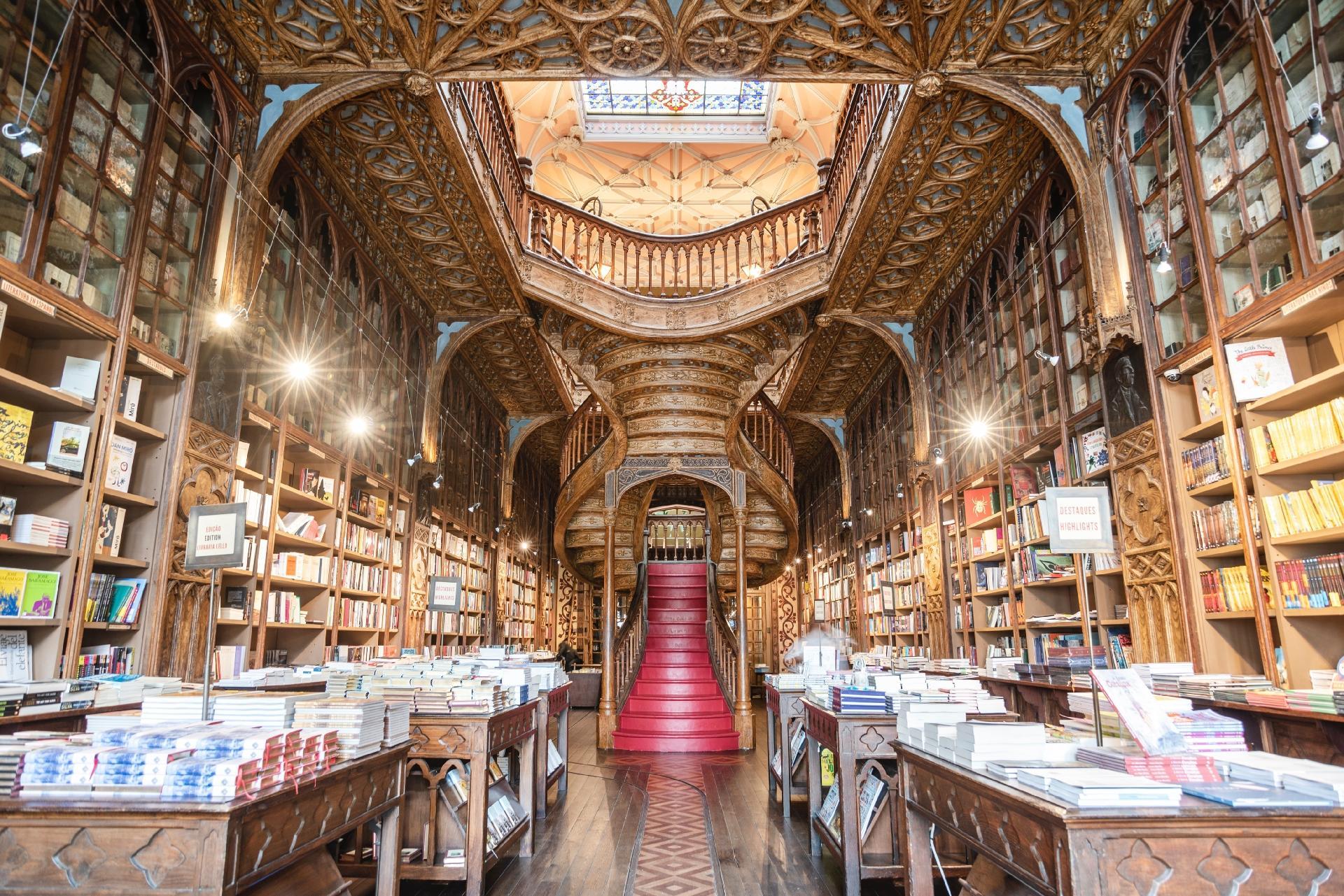 livraria-lello-do-porto-portugal-que-aliviar-a-pandemia-com-livros-classicos-1585766067432_v2_1920x1281