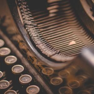 typewriter-5260665_1920
